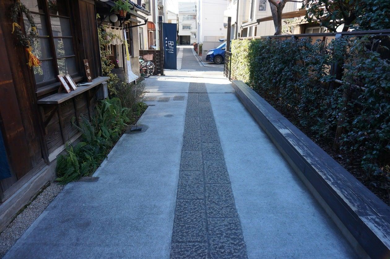 上野桜木あたり みんなのろじ の写真