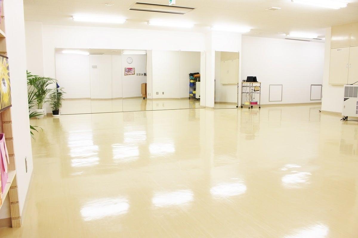 【牛久駅】レンタルダンススタジオ(鏡張り6m、50畳)、窓あり、感染予防徹底、駅前、駐車場/エステサロンスペースあり可能 の写真