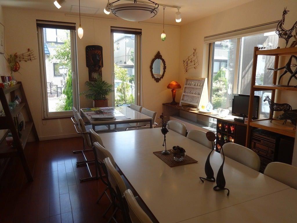 キッチン付きレンタルスペース。GALLERYスペースをパーティー・会議・各種レッスンルームなど多目的に使えます。 の写真