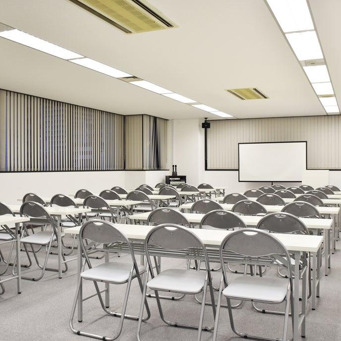 70平米の貸し会議室です。20〜60名様セミナーに最適です。
