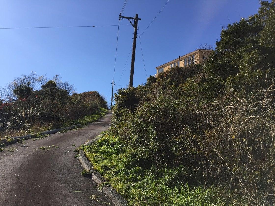 ヴィラ・ド・シュルメール(海辺のヴィラ)三河湾を一望できる海辺の丘の上に建つ一棟貸し別荘 のサムネイル