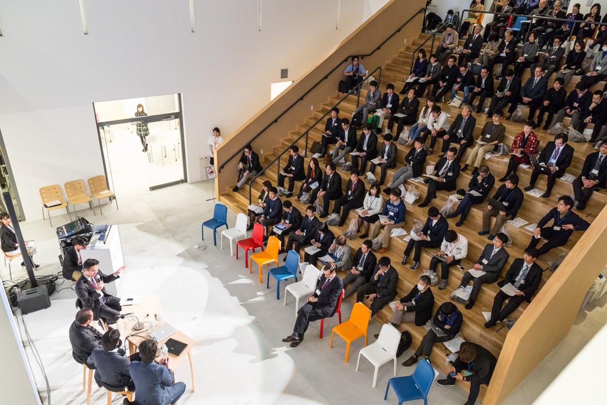 【卸町駅から徒歩5分】階段教室型イベントスペース 講演会、発表会、ワークショップに! の写真