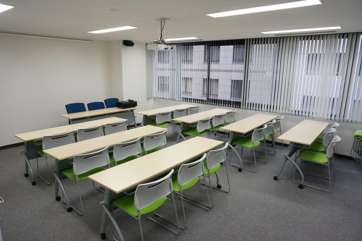 【日本橋駅徒歩3分・格安・明るくきれいな会議室】SCホールディングス 東京本部会議室