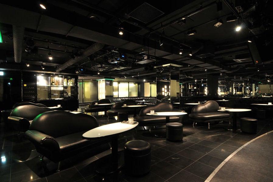 【心斎橋・難波駅】各種パーティ、大人数イベントに人気。カラオケありの多目的スペース☆ の写真