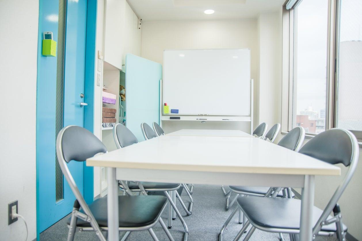 【5F小会議室】池袋C2出口 徒歩約2分  ホワイトボード、wifi付き の写真