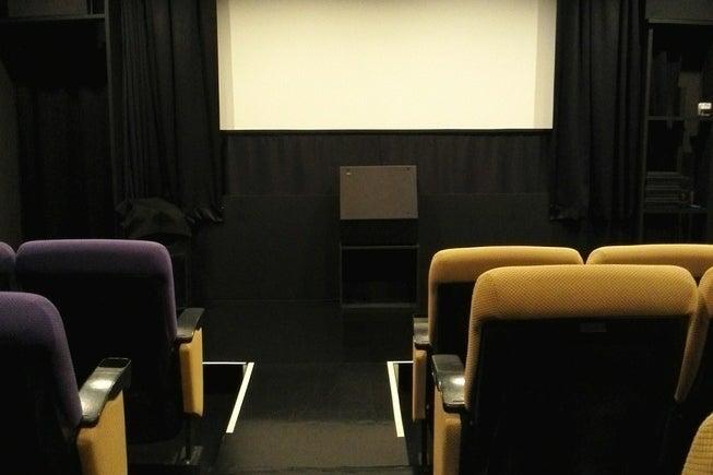 【横浜】日本最小!昭和の香り漂う映画館で上映会をしませんか?(シネマノヴェチェント) の写真0