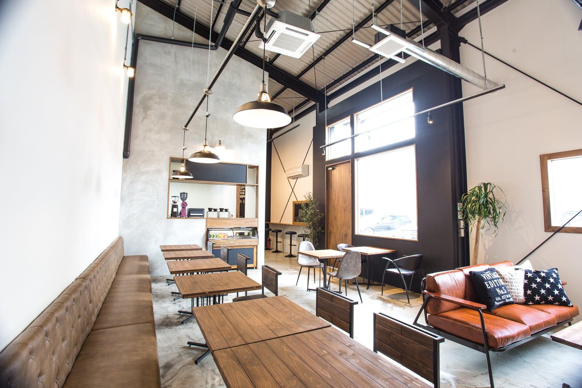 滋賀県、草津にあるレンタルスペース。パーティー、イベント、会議、打ち合わせ、撮影、展示会などにご利用いただけます(エリックス カフェ&レンタルスタジオ) の写真0