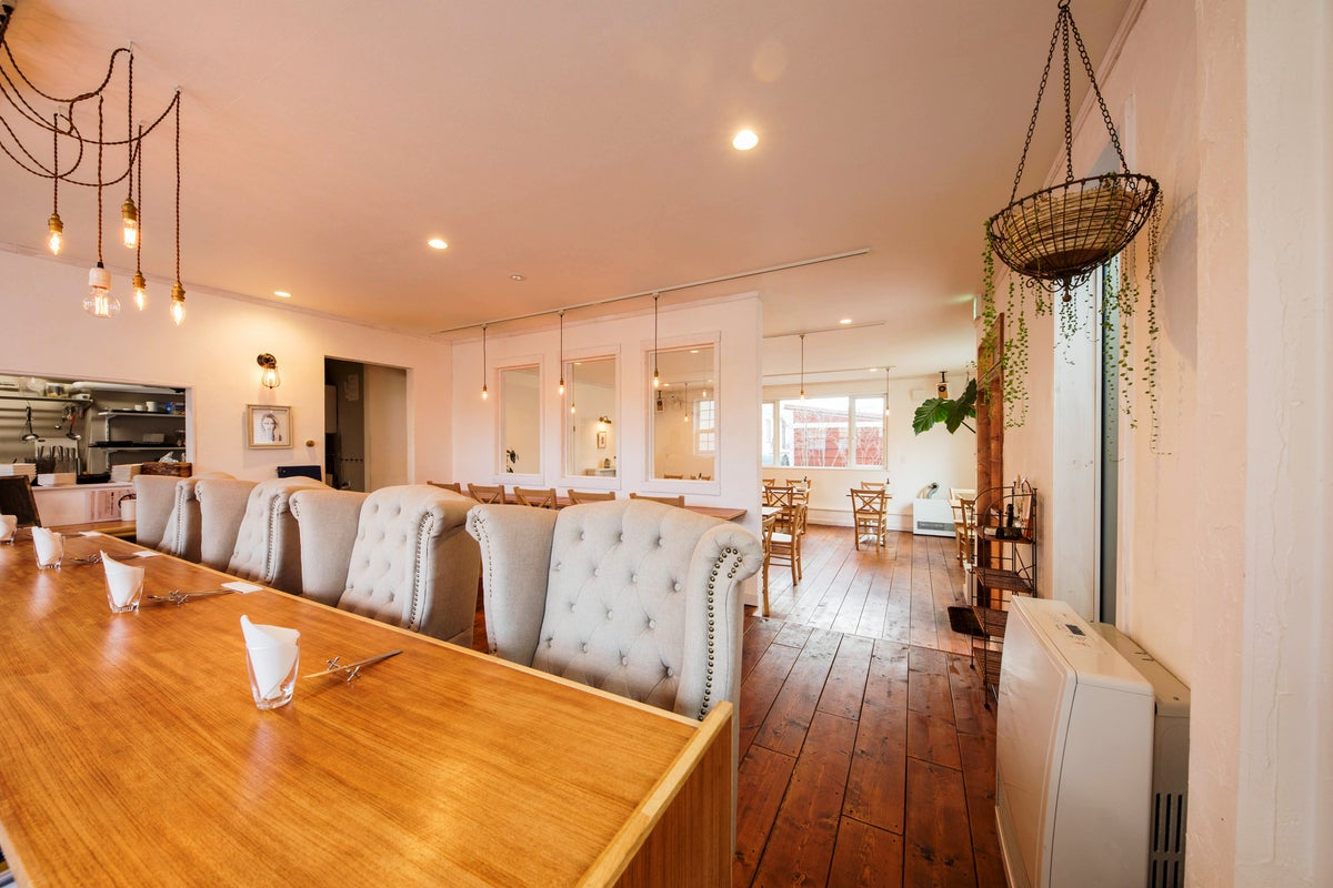 【駅から徒歩2分👀】おしゃれで大人なカフェ空間!キッチン付きのレンタルスペース✨ の写真
