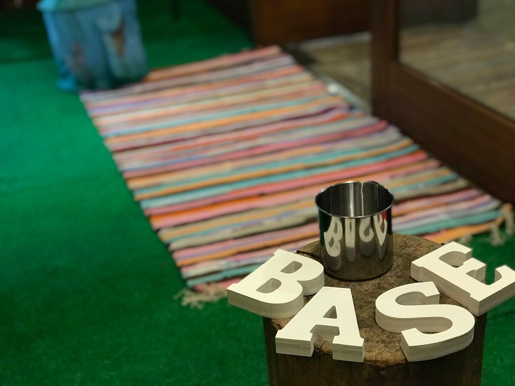 【西院駅徒歩4分】パーティや音楽イベント等で貸切出来るCafe&Bar(Cafe&Bar BASE) の写真0
