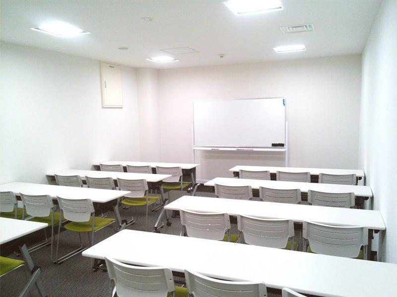 永田町駅目の前!プロジェクターやWiFi完備。ケータリングにも対応した会議室(B1F 101) の写真