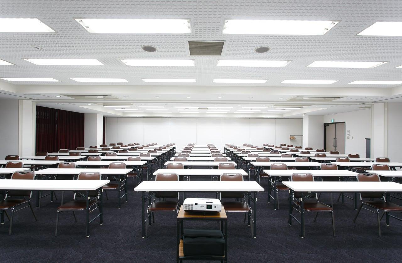 【新大阪駅前】ほどよいサイズ感の175㎡・90~130名対応のホテル会場【100AB/100BC】(CORONA HOTEL(大阪コロナホテル)) の写真0