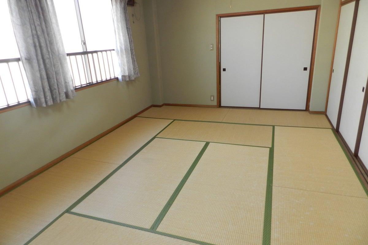 【駐車場あり】【駅から徒歩7分】和室10畳!電源、Wi-FI、飲食可能な設備充実のレンタルスペース の写真