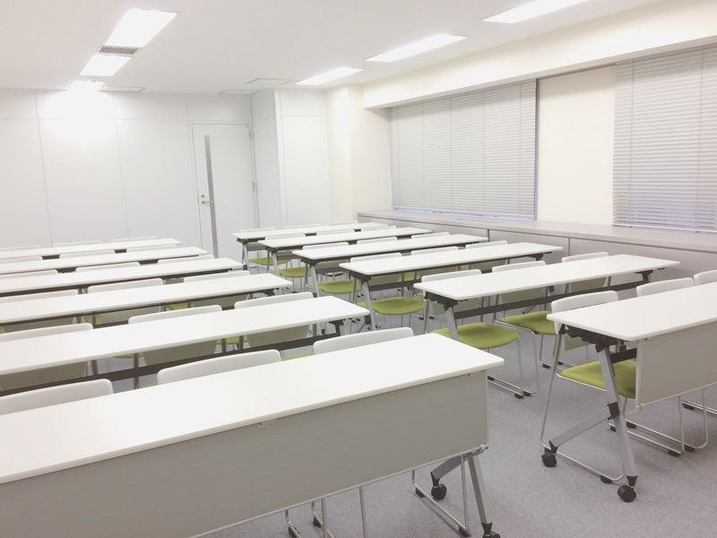 浜松町駅から徒歩3分!プロジェクターやWiFi完備。ケータリングにも対応した会議室(4F K) の写真