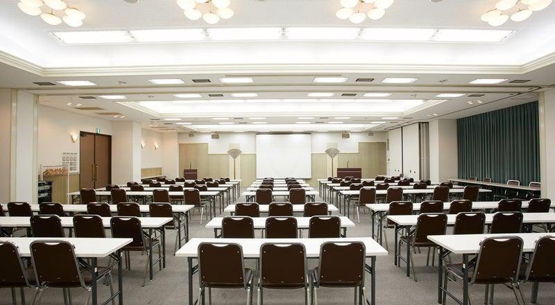 【新大阪駅前】100~150名規模の研修・セミナーに。天井高3mでゆったり余裕感あるホテル会場【200AB/200BC】