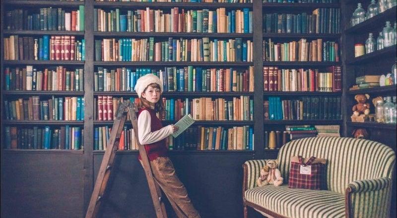 2500冊の洋書と100点以上のアンティーク雑貨と家具が揃う「EN」