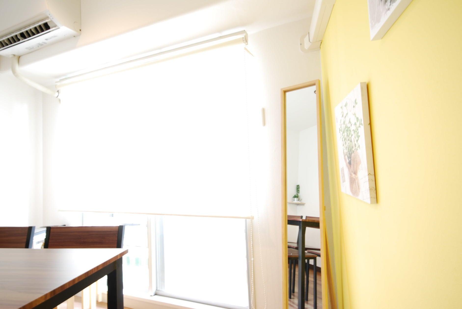 【デルソル Room A】★池袋駅東口徒歩3分★WiFi無料!明るく爽やかなスペース(土足でOK) のサムネイル