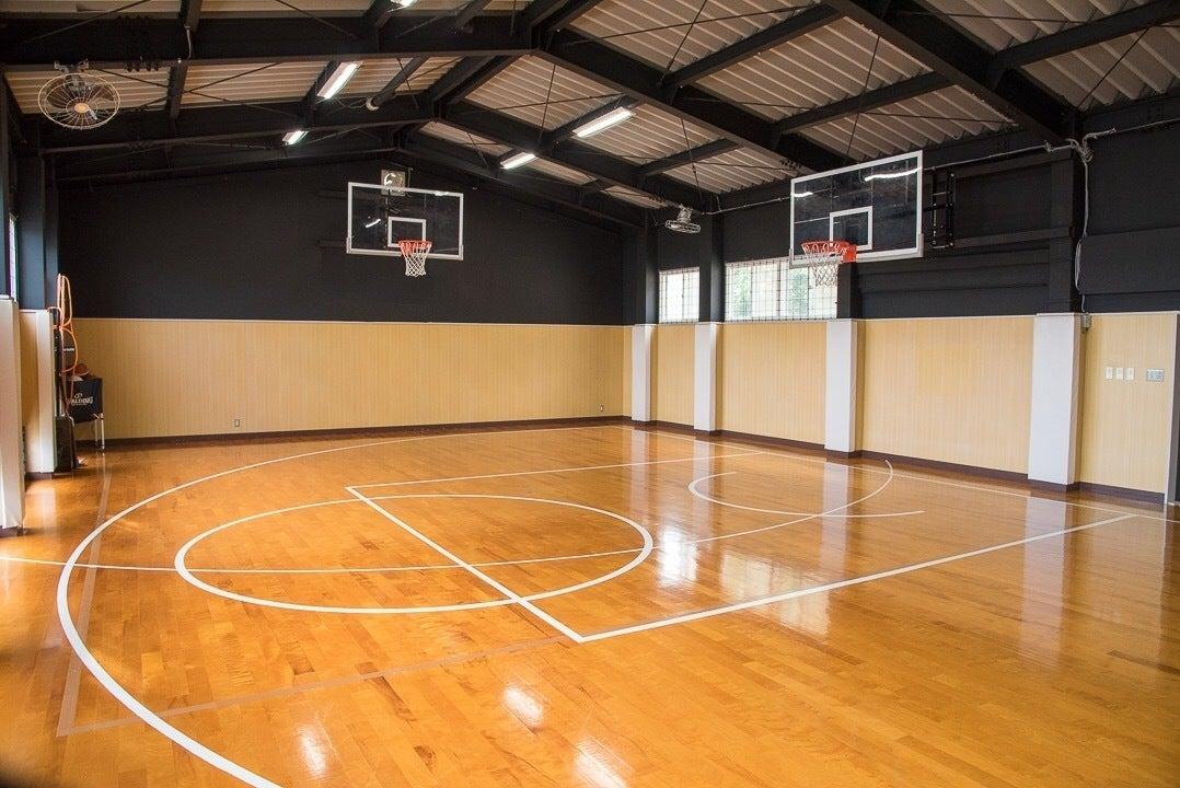 福岡市東区にある小さな体育館。バスケットやダンス、セミナーなど様々な用途でご利用可能! の写真