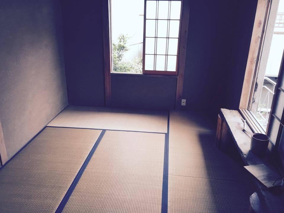 古民家カフェ離れ二階の、中庭が見下ろせるまったりスペース(古民家カフェMuGicafe「むぎのレンタルスペース」) の写真0