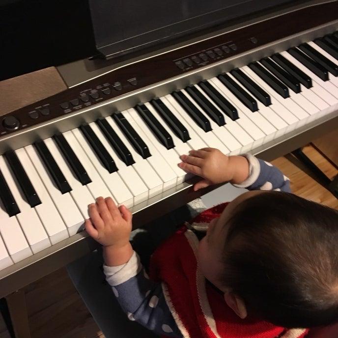 ピアノもございます