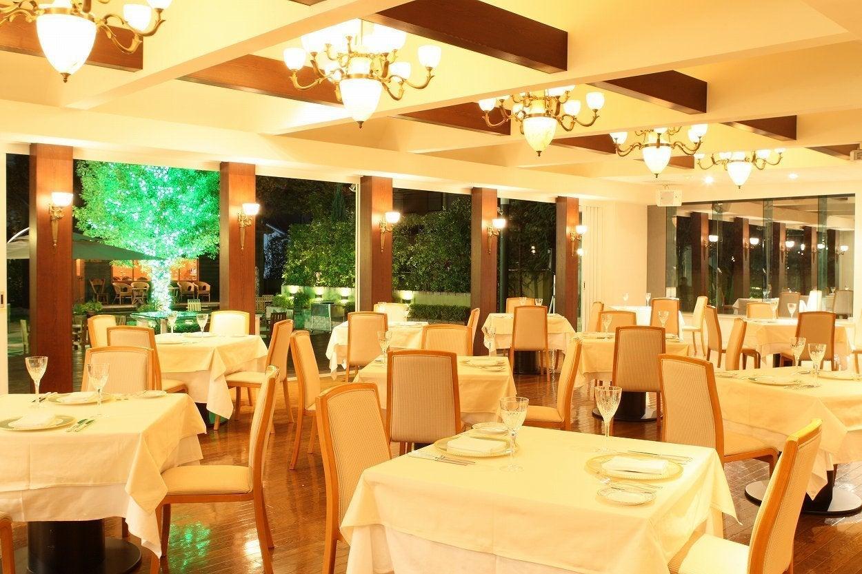 【大宮】  緑溢れるガーデンを一望できる空間でアットホームなPARTYを(eglise de 葉山庵) の写真0