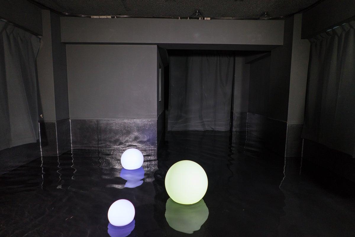 1棟貸し:2F~屋上 3フロア+屋上 100㎡・水撮影ができる(温水可能)・自然光・コスプレ撮影・作品撮り・屋上・YouTube の写真