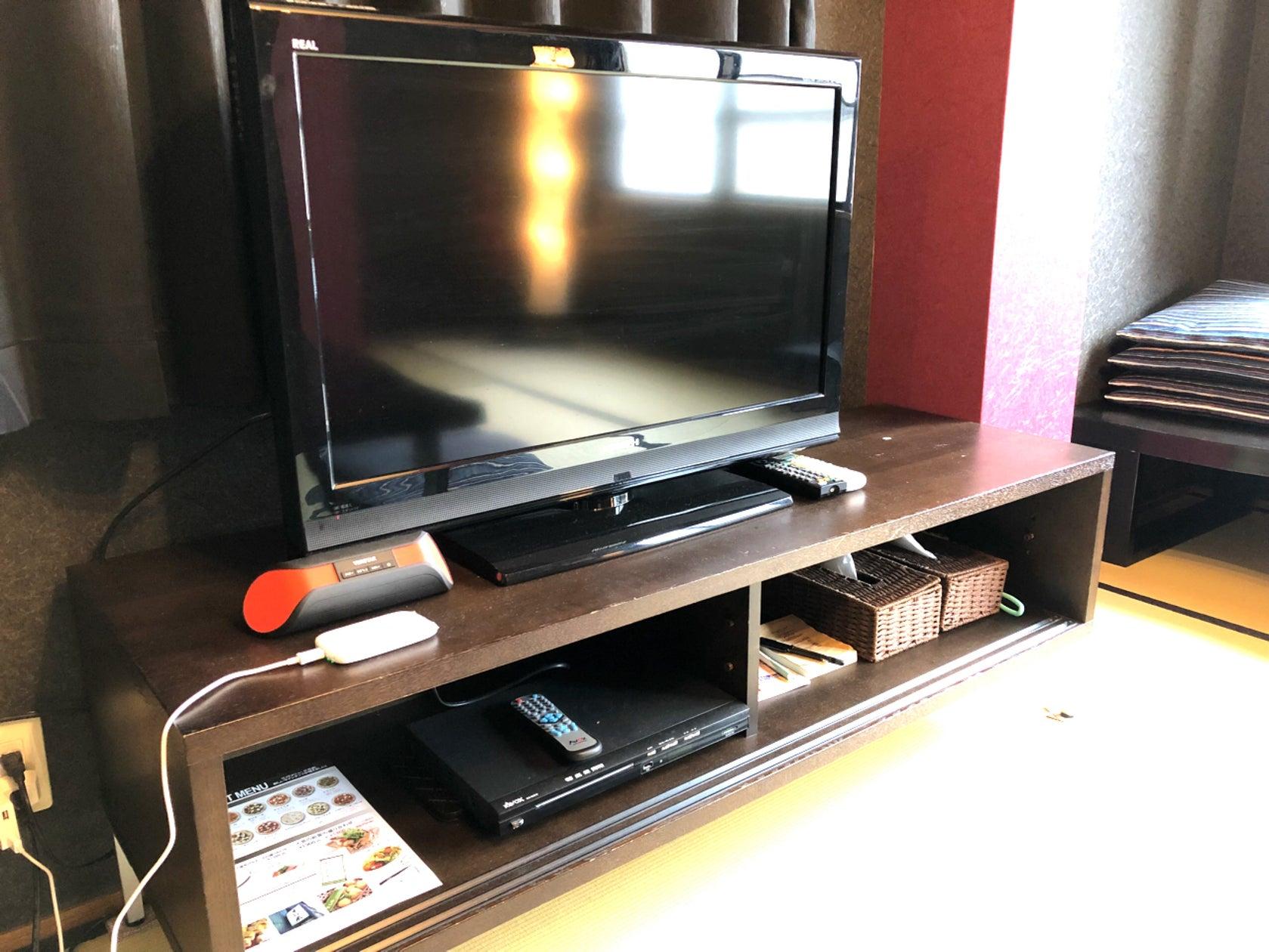 3F、テレビ、DVDプレイヤー、wifi、Bluetoothスピーカーご用意しています。