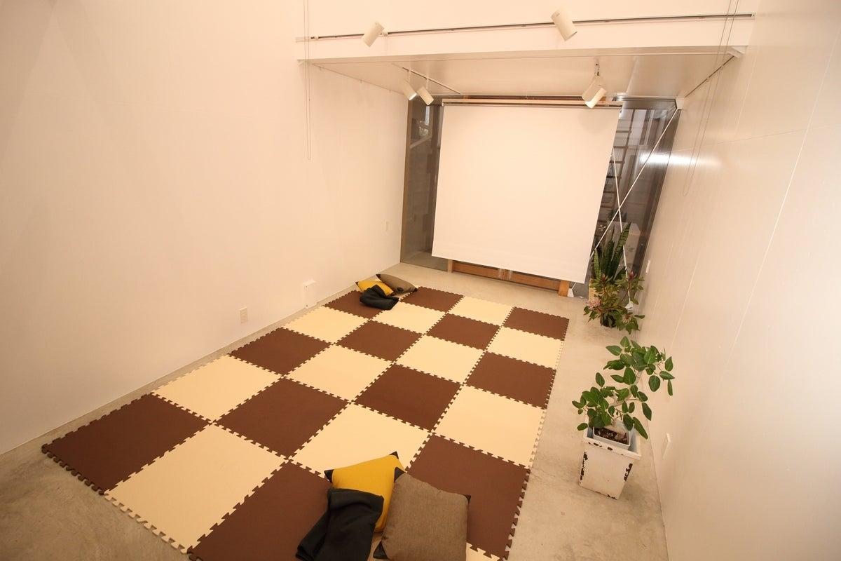 「吹き抜けギャラリースペース」飲食物持込不可・ギャラリー・撮影・会議に MFS room の写真