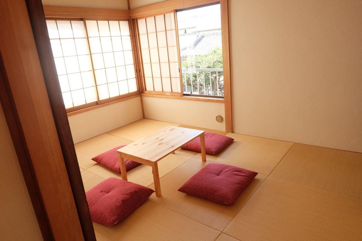 【琉球畳の和室】 こだわりの一軒家お洒落和室。イベント、撮影、整体、勉強会などにも人気【駐車場あり】 の写真