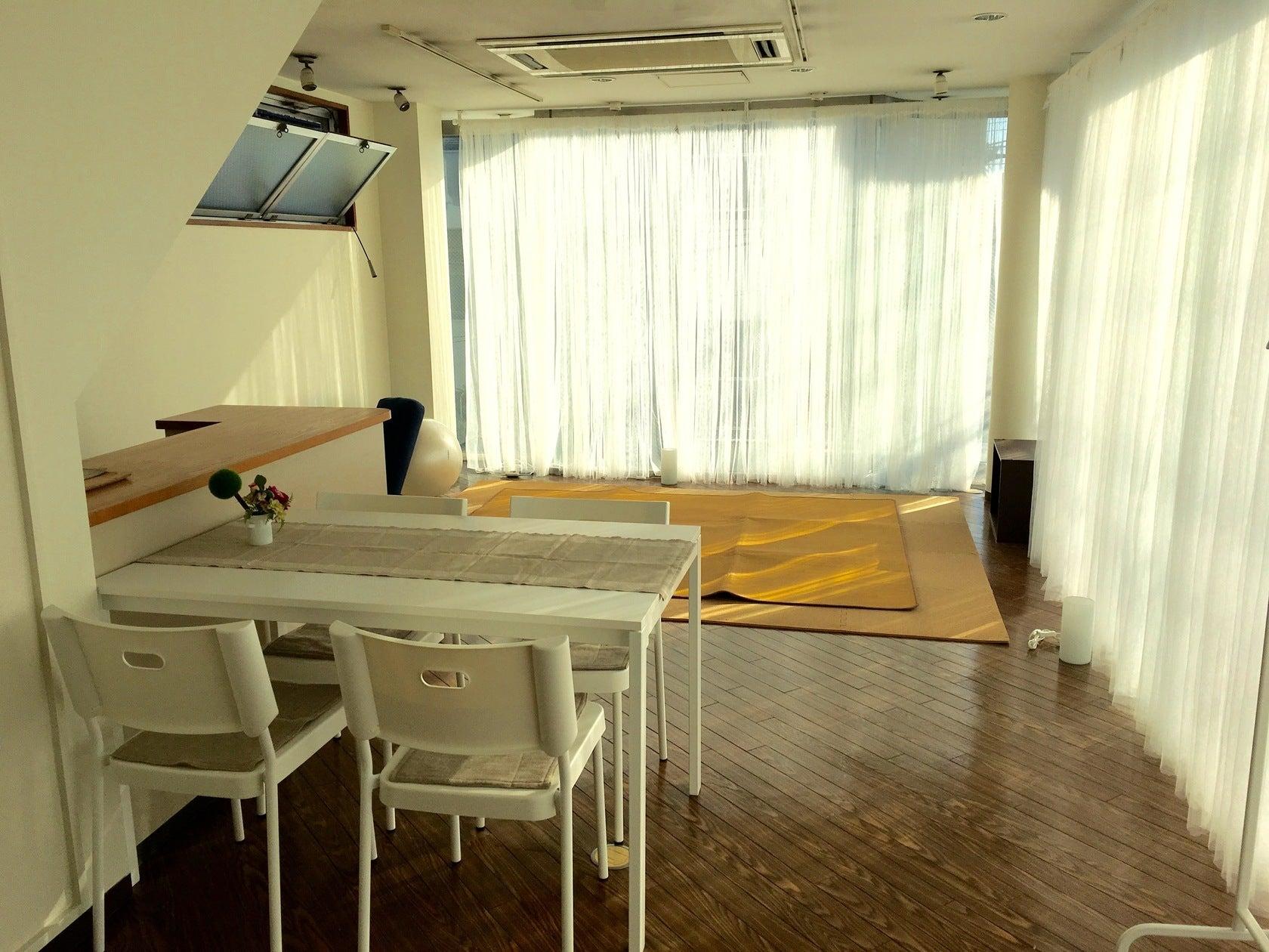 自由が丘の明るく開放感のある広めの空間、サロン蓮(レンタルサロン 蓮) の写真0