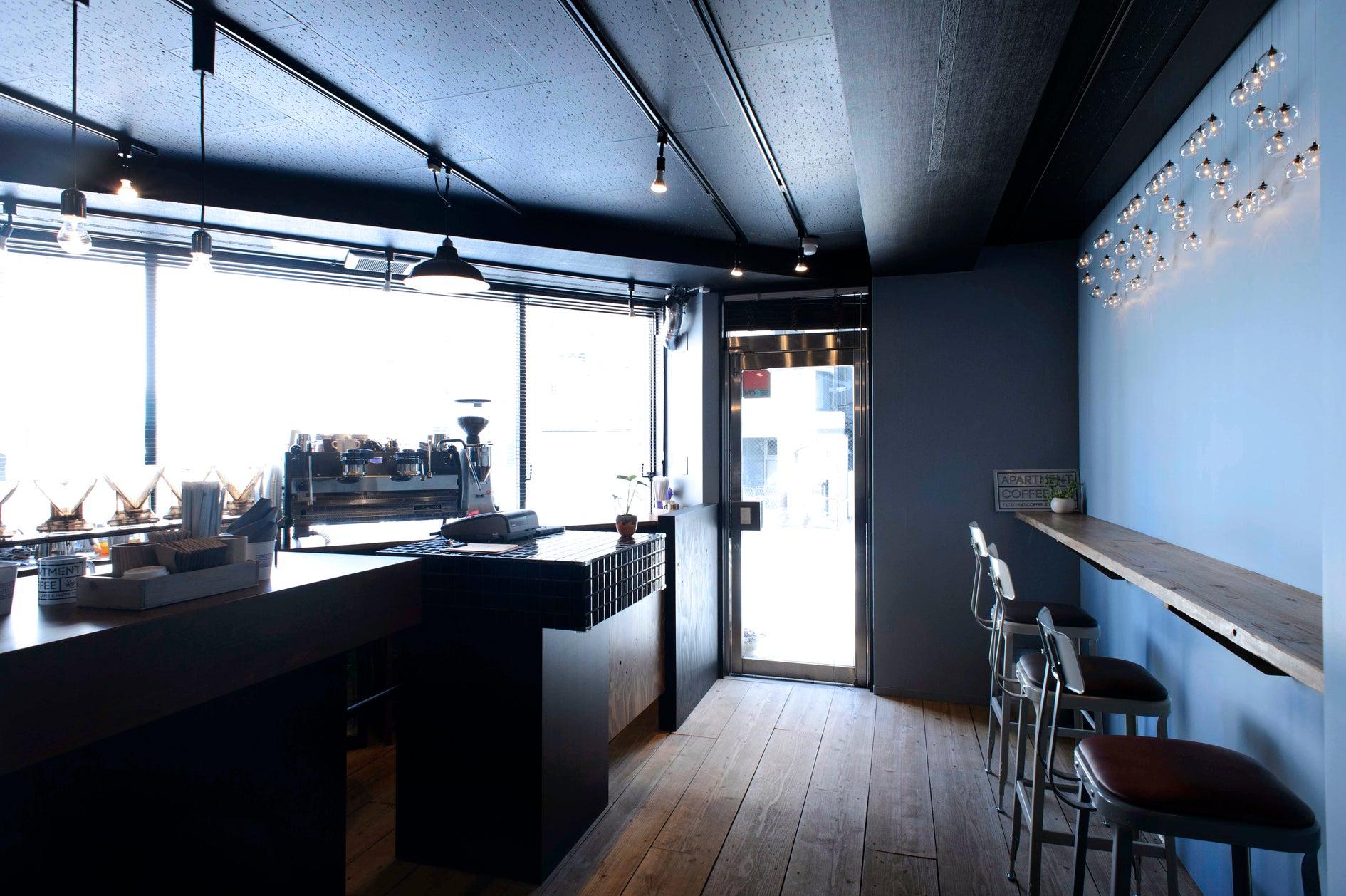 APARTMENT COFFEE (カフェスペース BAR 写真撮影 展示会等々) の写真