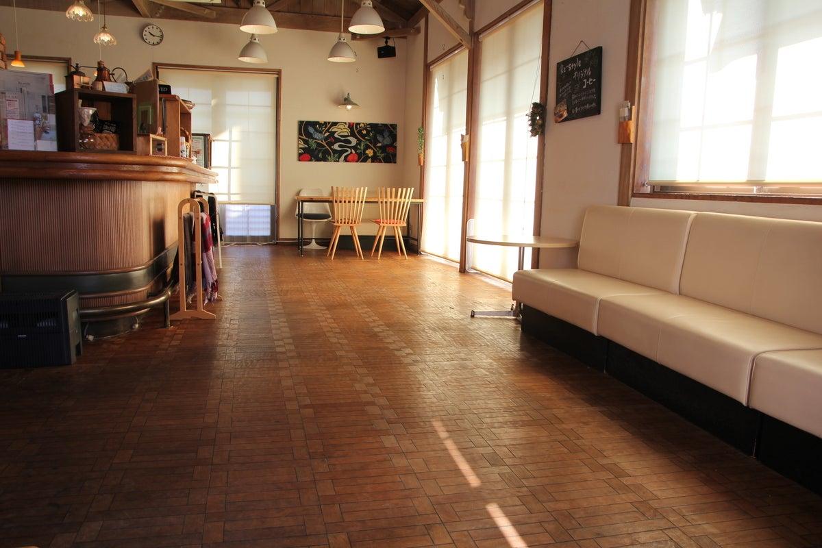 オシャレな空間(キッチン付き)でワークショップやイベント開催、お食事会やパーティ、コスプレ撮影も!商用撮影可。 の写真