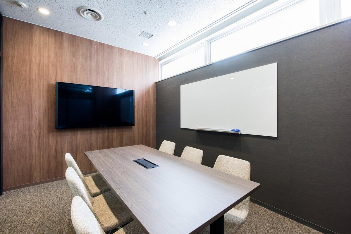 【fabbit銀座】シックな空間・会議室・ミーティングスペース(銀座一丁目) の写真