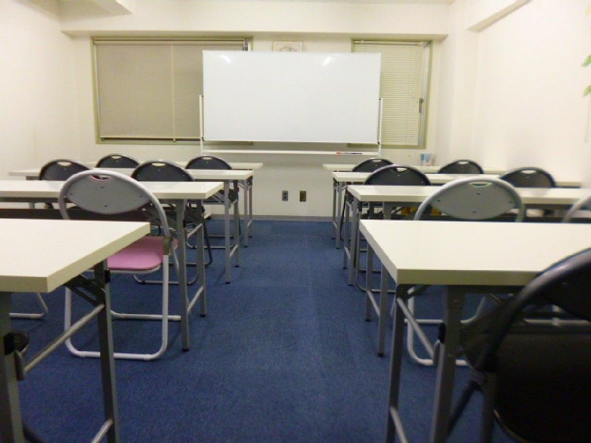 【堺筋本町徒歩5分】格安会議室(本町通沿)/最大19人着席可能   小セミナー・面接最適 の写真