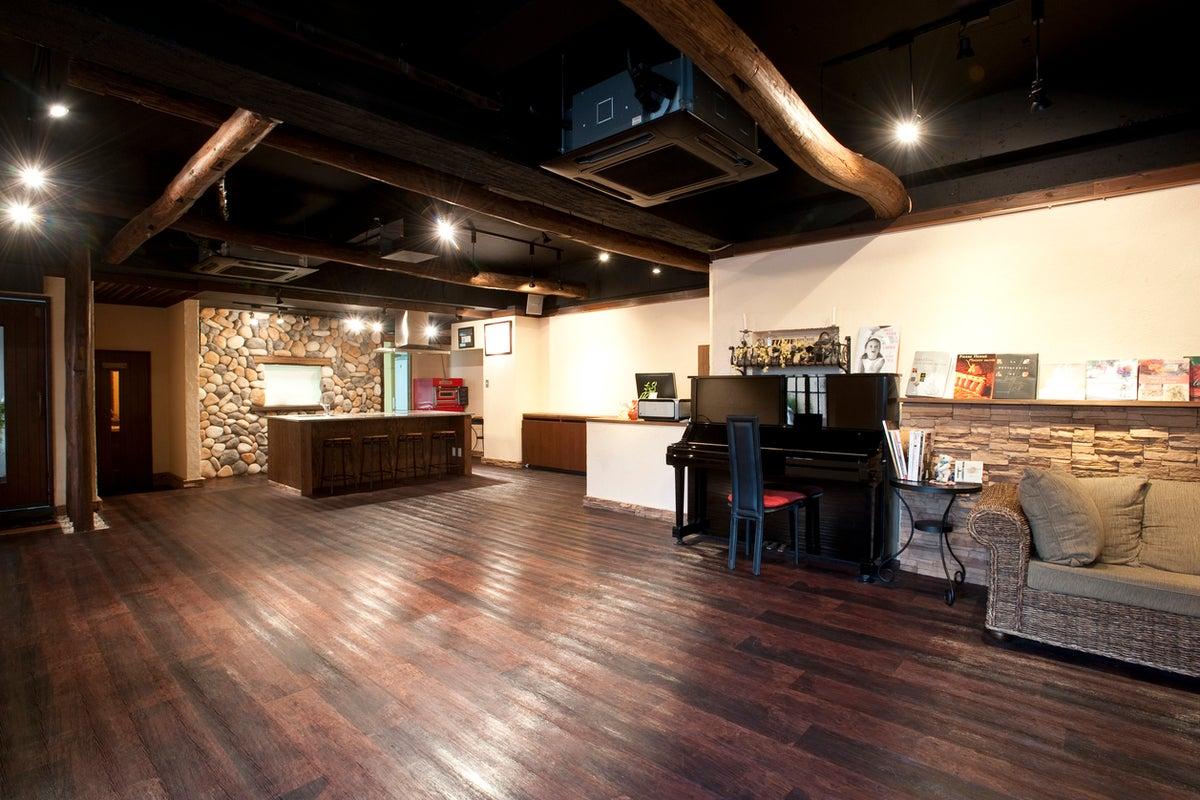 【名古屋市 港区】カフェの雰囲気が素敵な本格キッチン付スタジオ クラルテ の写真
