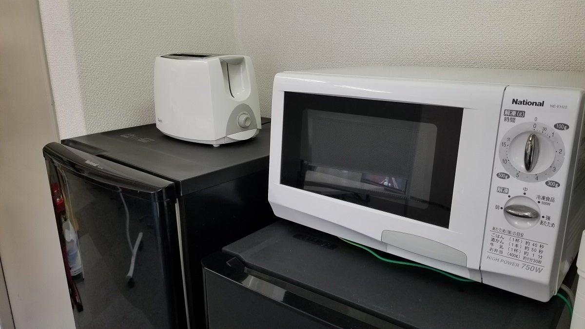 冷蔵庫×2、電子レンジ、トースター、電気ポット完備