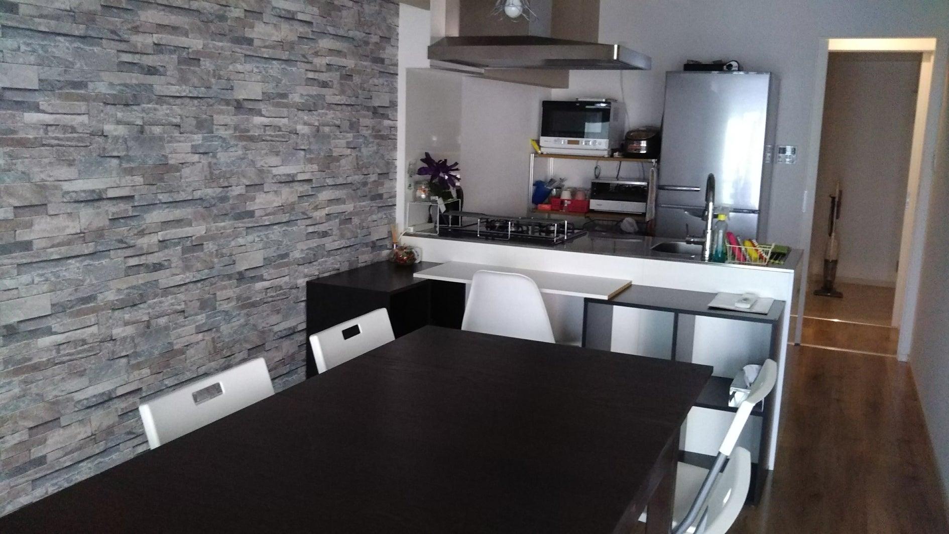 便利な江坂で、キッチン付き自宅のように使える素敵な少人数におすすめの多目的スペースです。