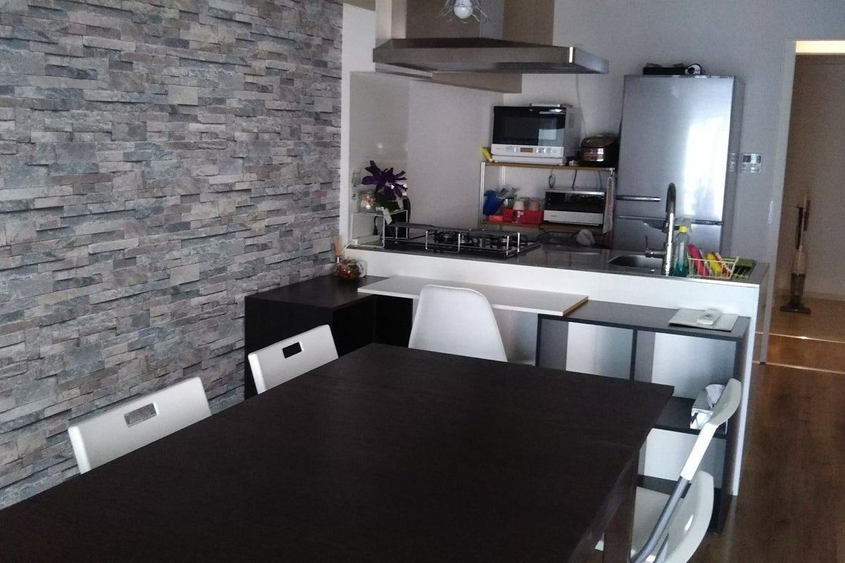 便利な江坂で、キッチン付き自宅のように使える素敵な少人数におすすめの多目的スペースです。 の写真
