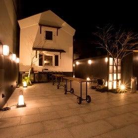 照明も完備です。特に夜の雰囲気は最高です!