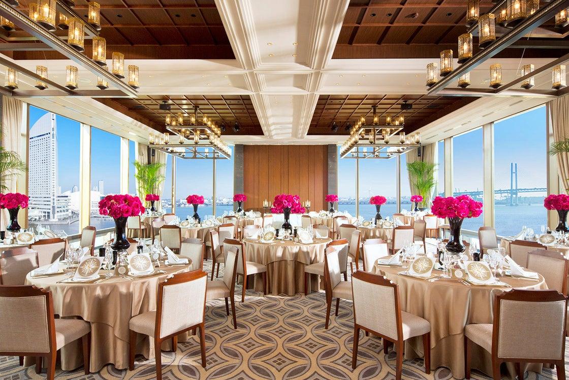 【みなとみらい】ハーバールーム 最上階の西洋と東洋の文化が調和したパーティールーム の写真