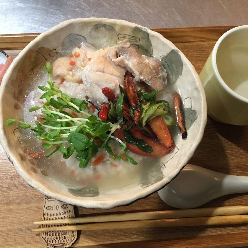岡山県西粟倉村の日帰り温泉+ゲストハウス+カフェ あわくら温泉元湯 の写真