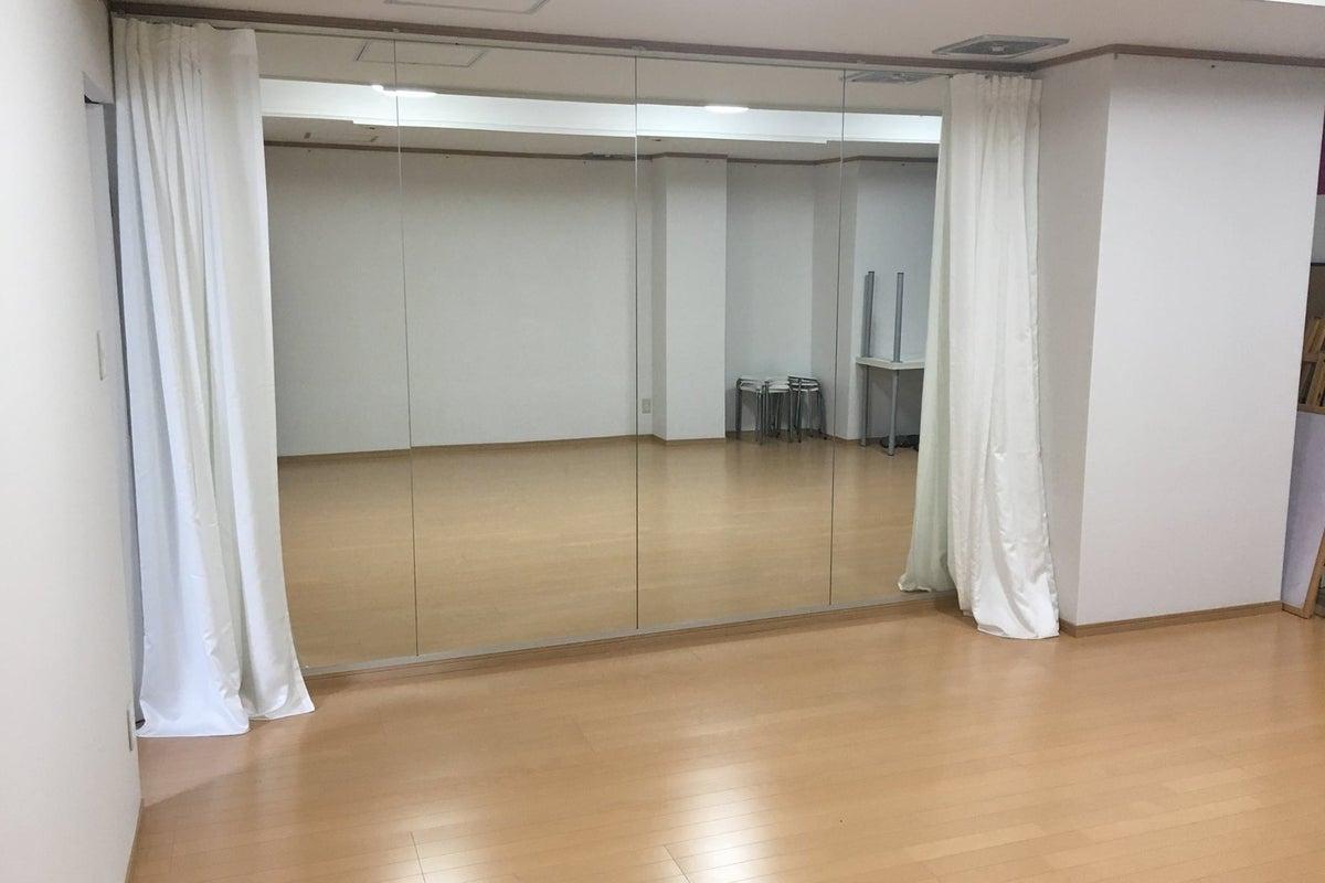 〈スペースおいち〉レンタルスペース。自分の特技を活かした講座を開いたり、仕事の拠点としたミニ事務所としたり出来ます。 の写真