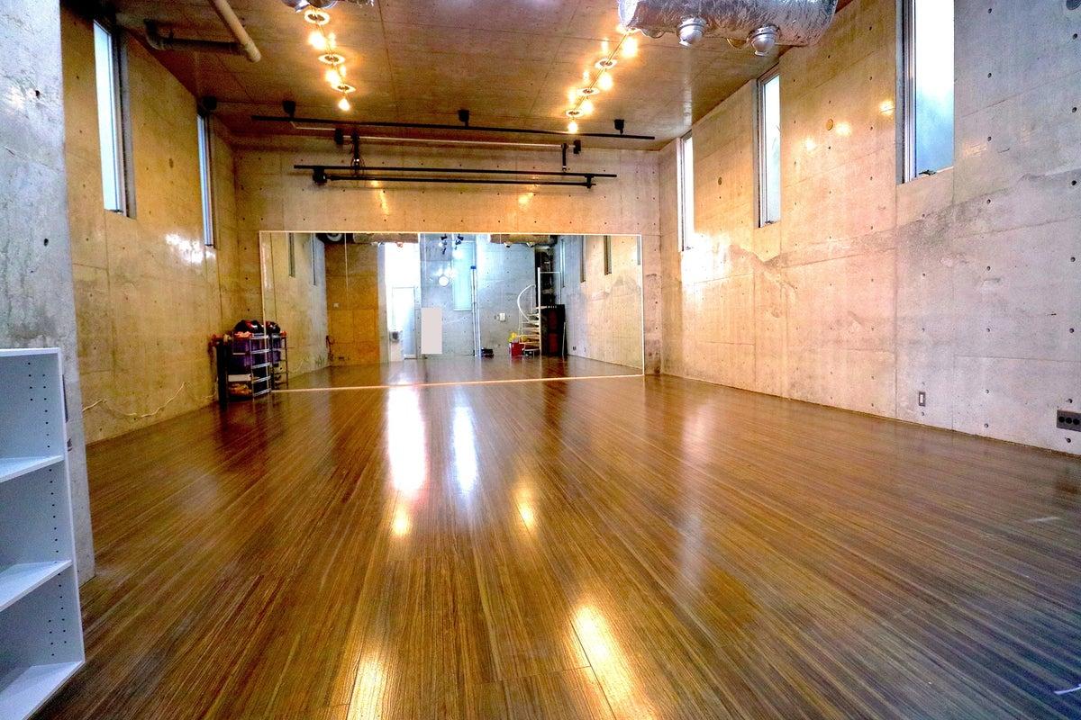 自由が丘徒歩5分!天高4mのスタイリッシュなスタジオスペース!RAISE UP STUDIO JIYUGAOKA の写真
