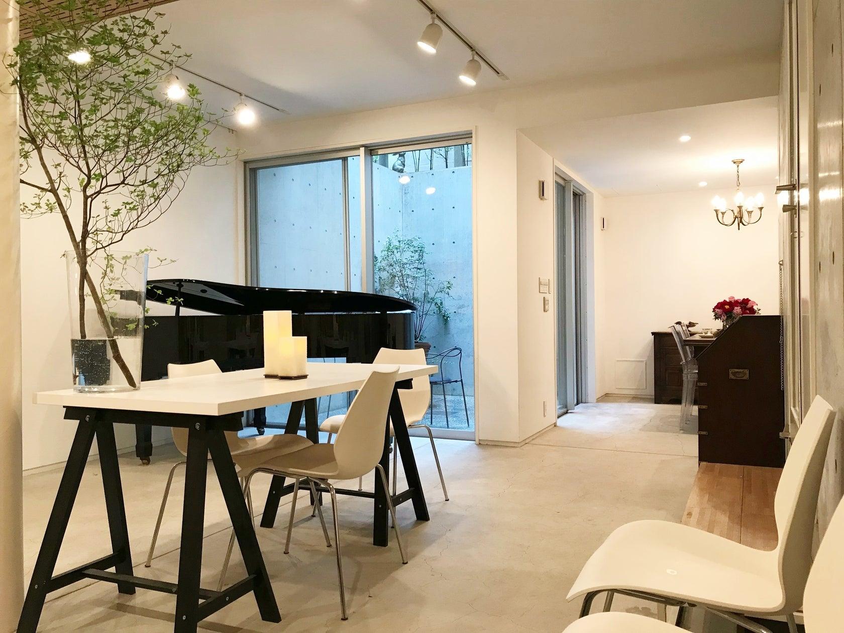 [代官山徒歩6分/駐車1台可]グランドピアノのある隠れ家的スペース。会議・楽器練習・女子会・子連れパーティー・コスプレ撮影会 の写真