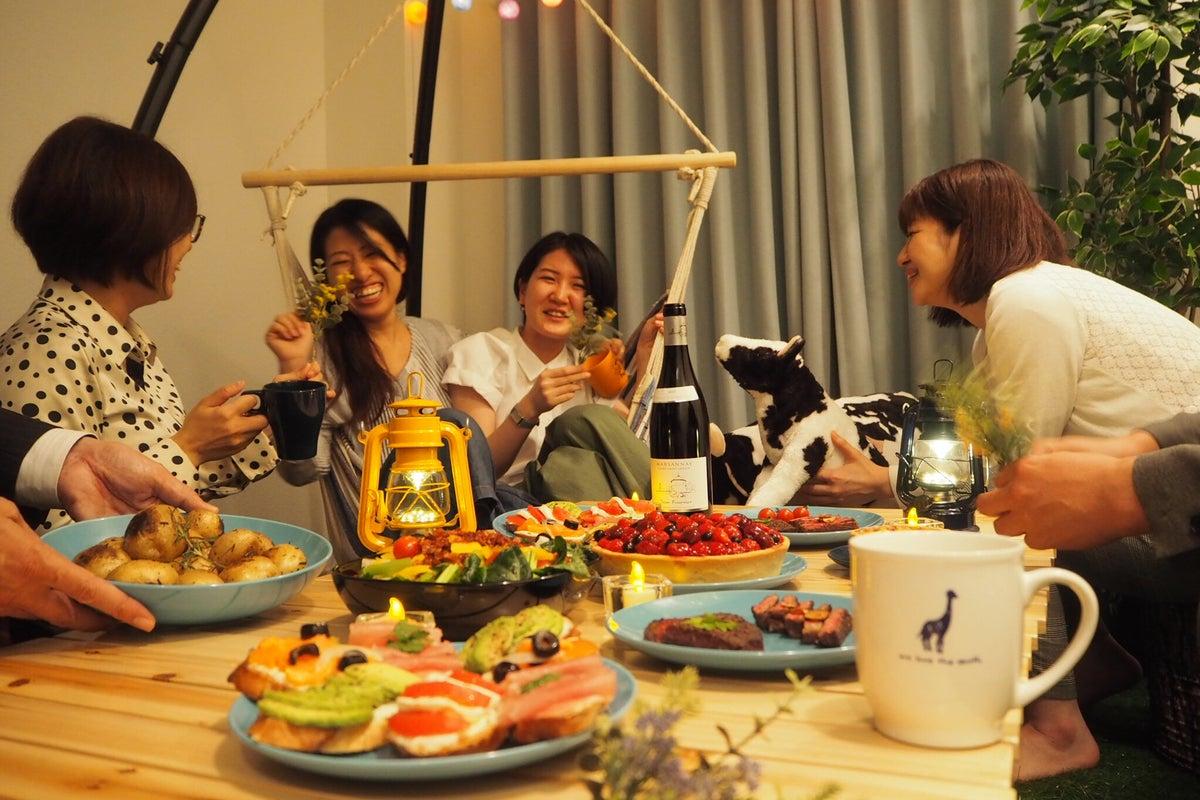 053【スペレンParty西新宿】芝生&ハンモックの癒し空間/最大8名/グランピング会/ゴミ捨て無料/キッチン/24H/OP無料 の写真
