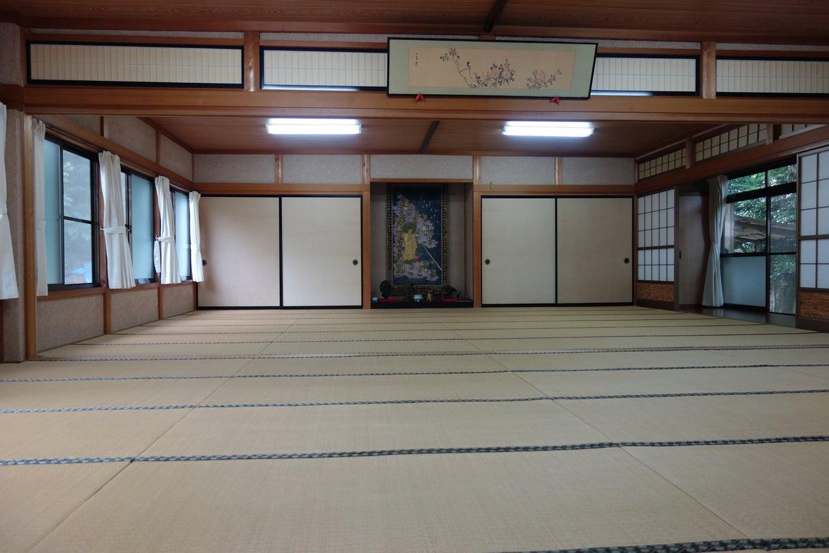長良川鉄道関駅徒歩5分 関善光寺籠り堂 48畳和室 庭園 の写真
