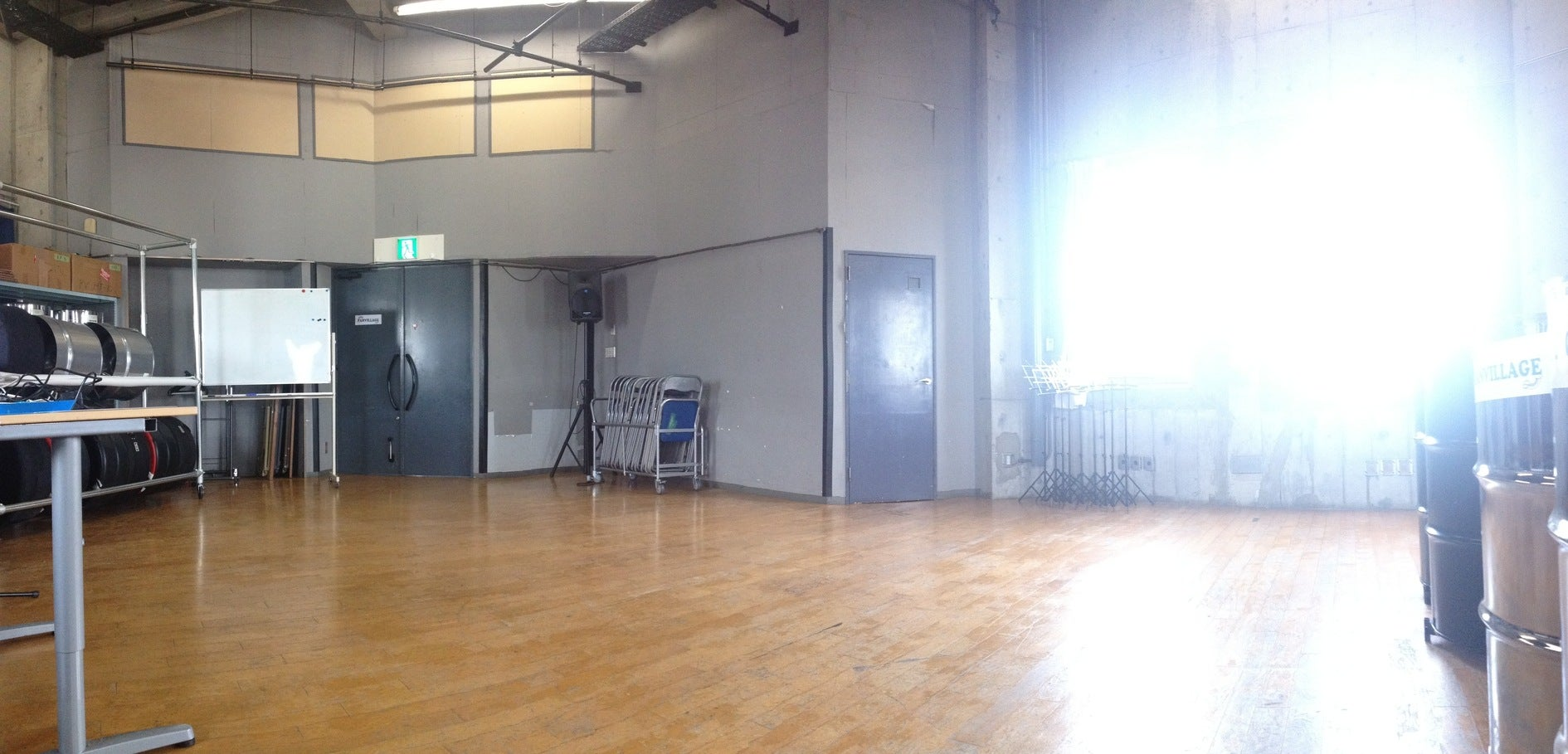防音完備の広いスタジオ!、楽器、ダンス、演劇などの練習やレッスン、イベントや発表会などに(防音完備のスタジオ。楽器練習、レッスン、ダンス、演劇、各種教室や発表会などに。) の写真0