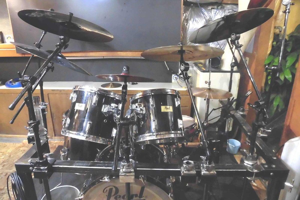 【JUNK FABミュージック・スタジオ】24時間365日演奏可能!無料駐車場4台~!!手ぶらでも演奏可能!!! の写真