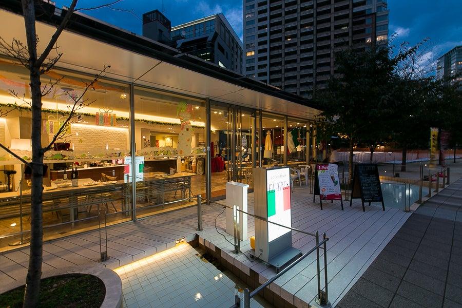 【五反田駅4分】目黒川沿いの素敵なロケーション。ガラス張りのダイニングレストラン。 の写真