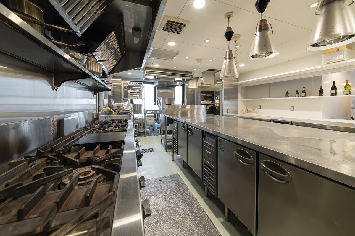 【名古屋/星ヶ丘】Yotube・動画撮影配信スタジオ/料理教室/業務用設備・食器等完備の本格キッチン の写真