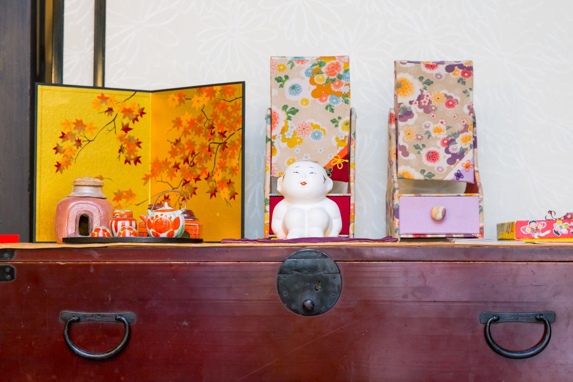 京都駅から徒歩5分!伏見稲荷5分!奈良まで30分! 駅近くなのに夜は静か。 京町家で坪庭と日本遺産認定の信楽焼のお風呂を楽しむ! のサムネイル
